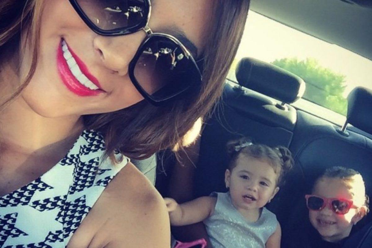 Llevando a las niñas al Bernabeu, en una foto reciente Foto:Instagram/Daniela Ospina. Imagen Por: