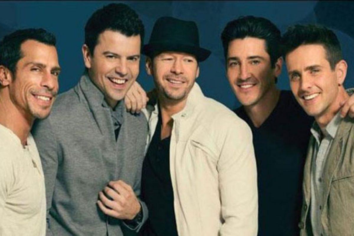 """En 2011, los New Kids estuvieron en una exitosa gira en conjunto con los Backstreet Boys llamada """"NKOTBSB Tour"""" Foto:nkotb.com. Imagen Por:"""