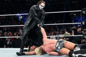 Ayudó a Ziggler a cubrir a Rollins Foto:WWE. Imagen Por: