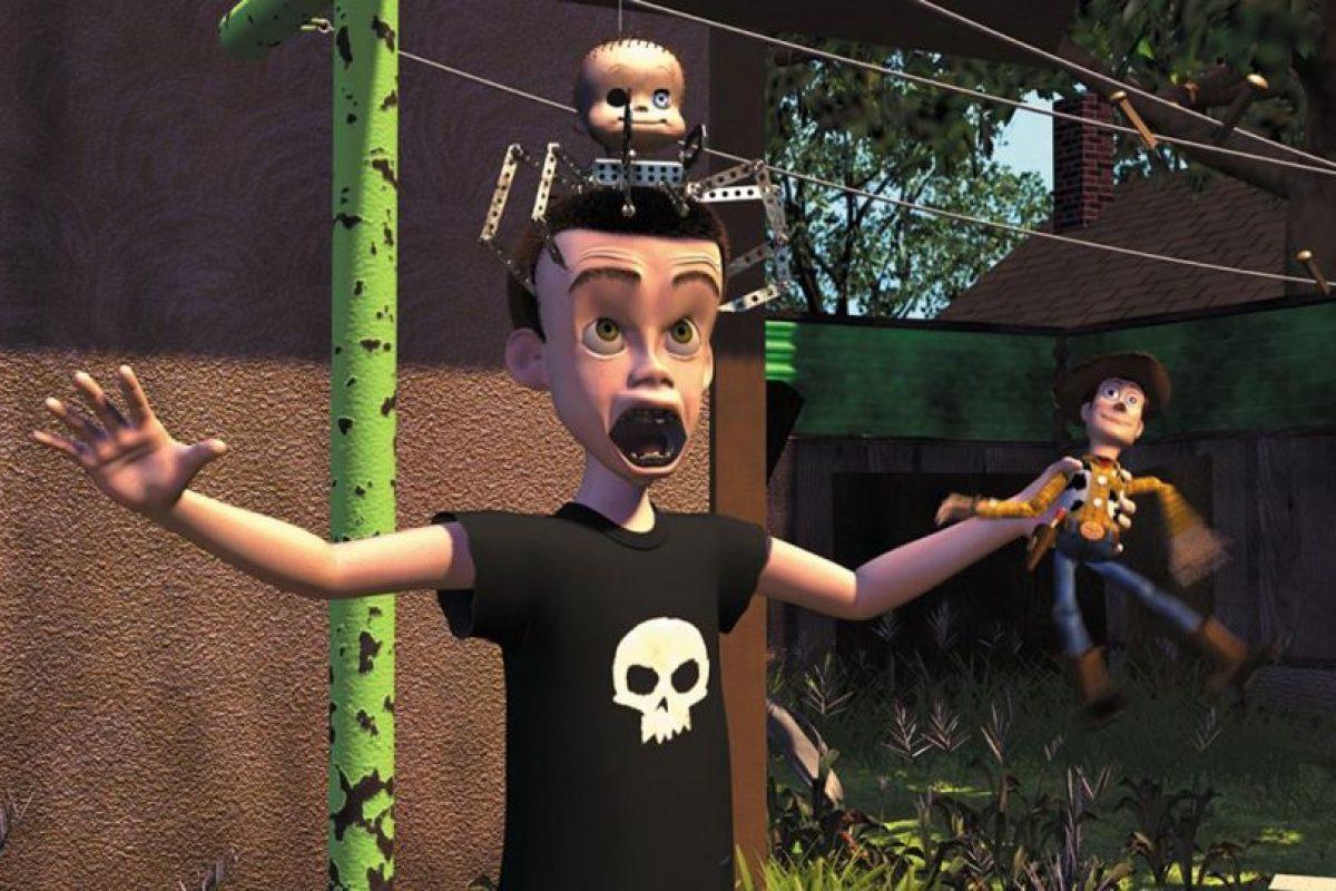 """10.- La producción planeaba usar muñecos de acción """"G.I Joe"""", pero la marca de juguetes se enteró que Sid los haría explotar y negaron el permiso. Foto:Facebook/Toy Story. Imagen Por:"""