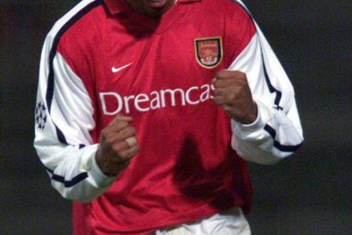 Henry también lo logró con tres equipos: AS Mónaco, Arsenal y Barcelona. Foto:Getty Images. Imagen Por: