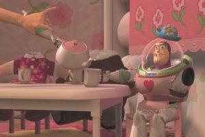 9.- Pixar quería que Jim Carrey realizara la voz de Buzz Lightyear, sin embargo la producción no alcanzó el precio del actor. Foto:Facebook/Toy Story. Imagen Por: