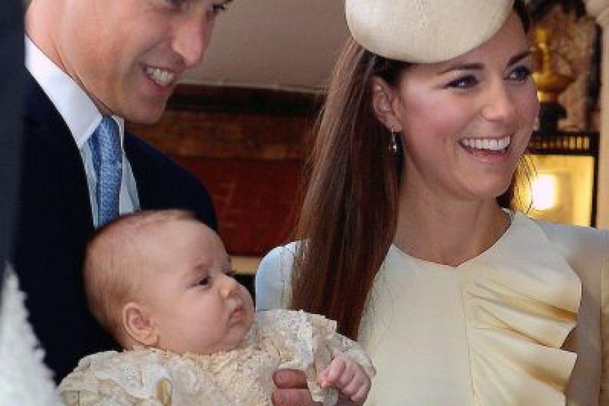 12. En 2013 tuvieron a su primer hijo, el príncipe George. Foto:Getty. Imagen Por: