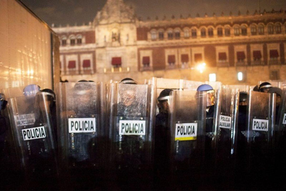 Escenas de la manifestación #AcciónGlobalPorAyotzinapa Foto:Getty Images. Imagen Por: