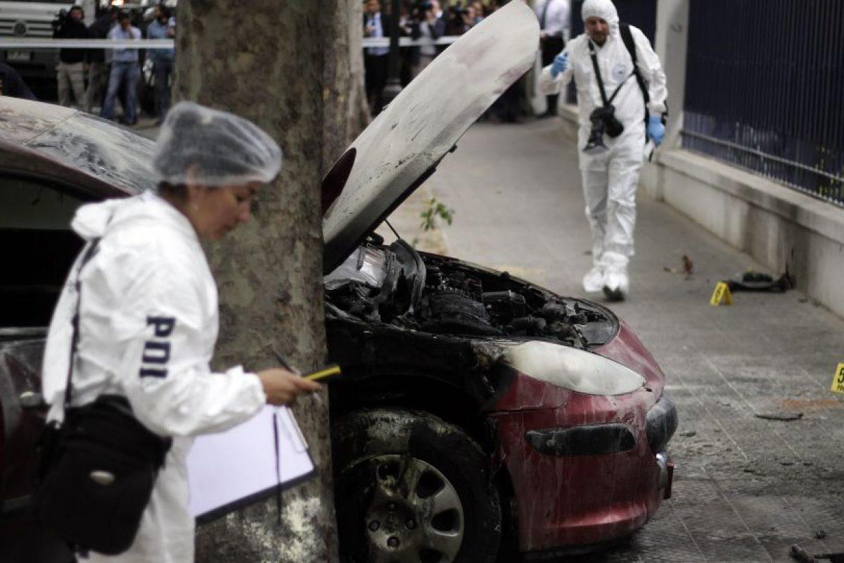 Las imágenes del ataque al cuartel de la PDI de ayer lunes. Foto:Agencia Uno. Imagen Por: