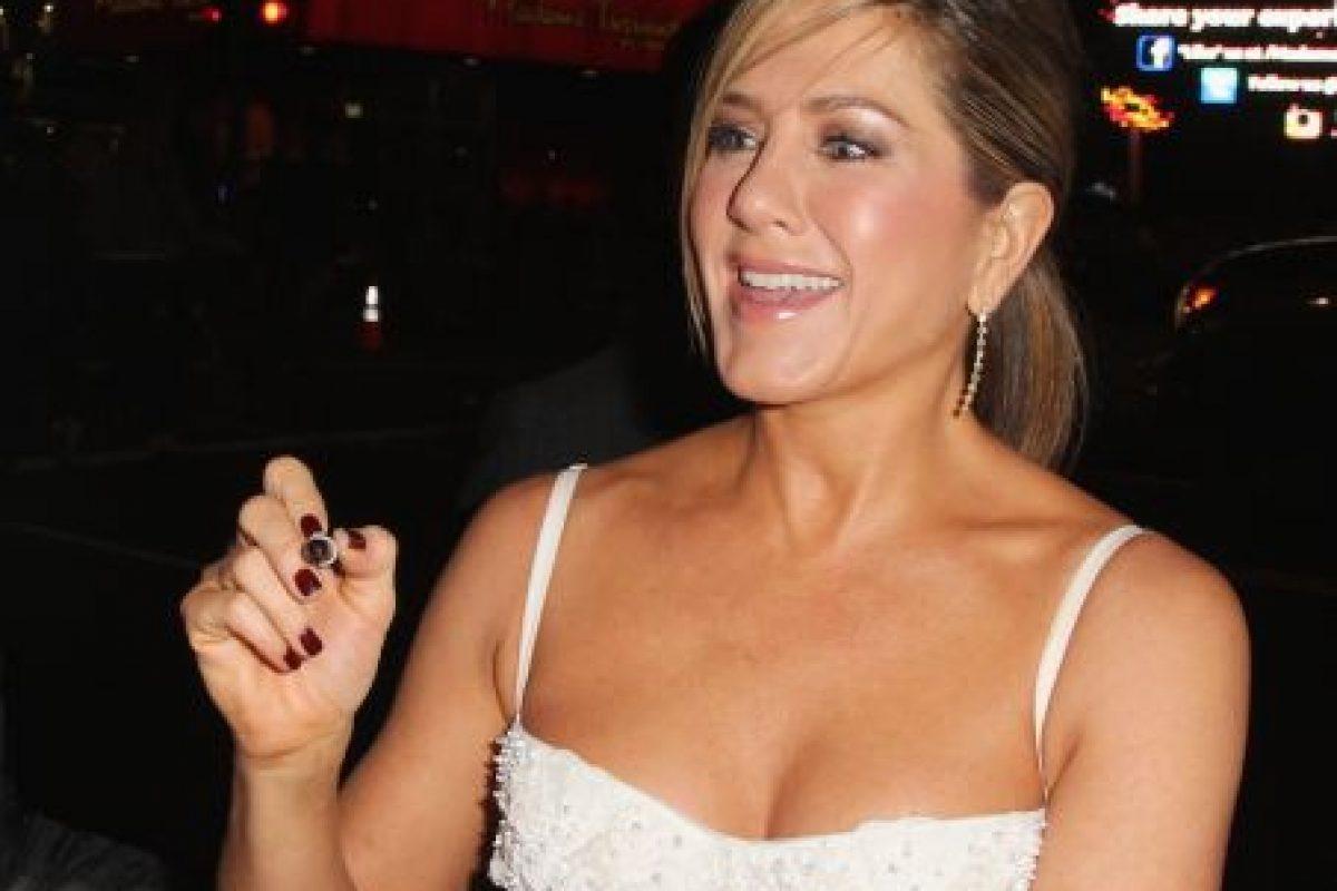 """Hace 18 años, mucho antes de Kim Kardashian, Jennifer mostró su trasero para la revista """"Rolling Stone"""". Foto:Getty Images. Imagen Por:"""