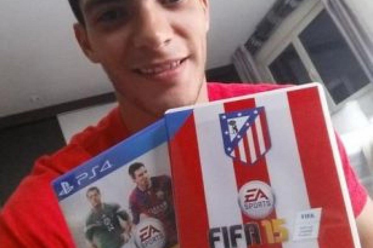 Raúl tiene 23 años de edad y forma parte del Atlético de Madrid de España. Foto:twitter.com/Raul_Jimenez9. Imagen Por: