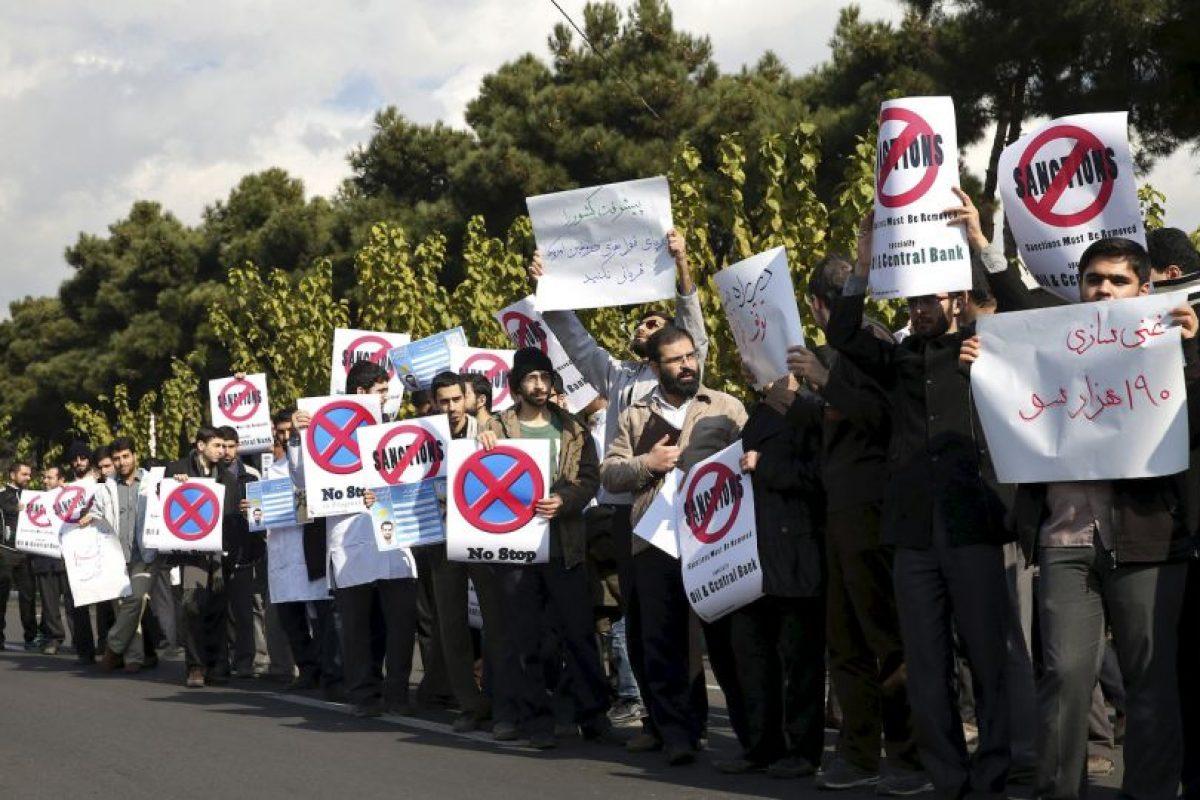 Hubo decenas de manifestantes. Foto:AP. Imagen Por: