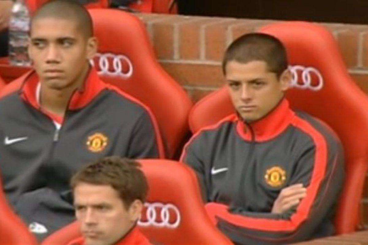 El mexicano Javier Hernández mostraba frustración cuando era suplente, en su etapa con el Manchester United Foto:Getty. Imagen Por: