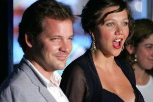 Peter Saarsgard está casado con Maggie Gyllenhaal, hermana de Jake y también actriz Foto:Getty Images. Imagen Por: