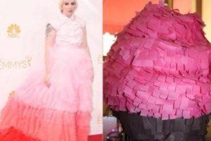 Lena Dunham y su piñata. Vestido. Piñata/Vestido. Foto:Twitter. Imagen Por: