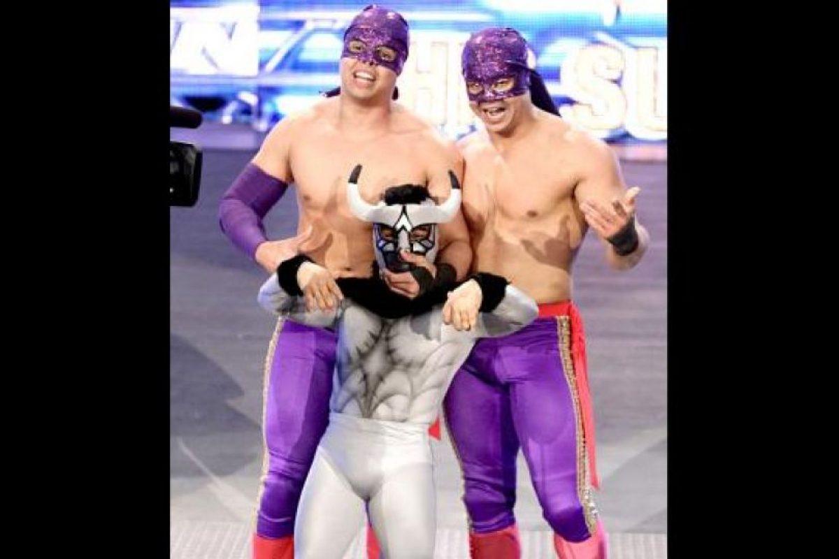 Los Matadores Foto:WWE. Imagen Por: