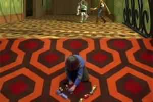 """2.- En la primera película, la alfombra que decora la casa de Sid es idéntica a la del hotel del filme """"The Shining"""". Foto:Twitter/Cinépolis. Imagen Por:"""