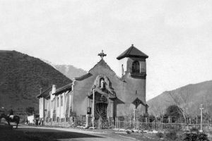Vista Parroquia Santa Rosa de Lo Barnechea en el año 1900. Foto:Fotos Históricas de Chile. Imagen Por: