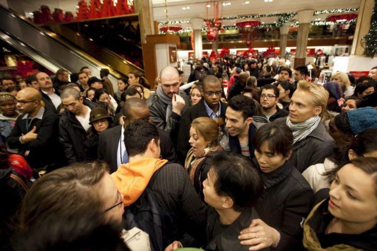 En 2008 una estampida de clientes mató a un empleado de una tienda Wal-Mart en Nueva York. Foto:Getty. Imagen Por: