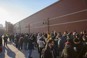 Otro comprador colapsó en una tienda y murió. Foto:Getty. Imagen Por: