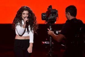 La cantante Lorde le respondió un tuit al actor porno Foto:Getty Images. Imagen Por: