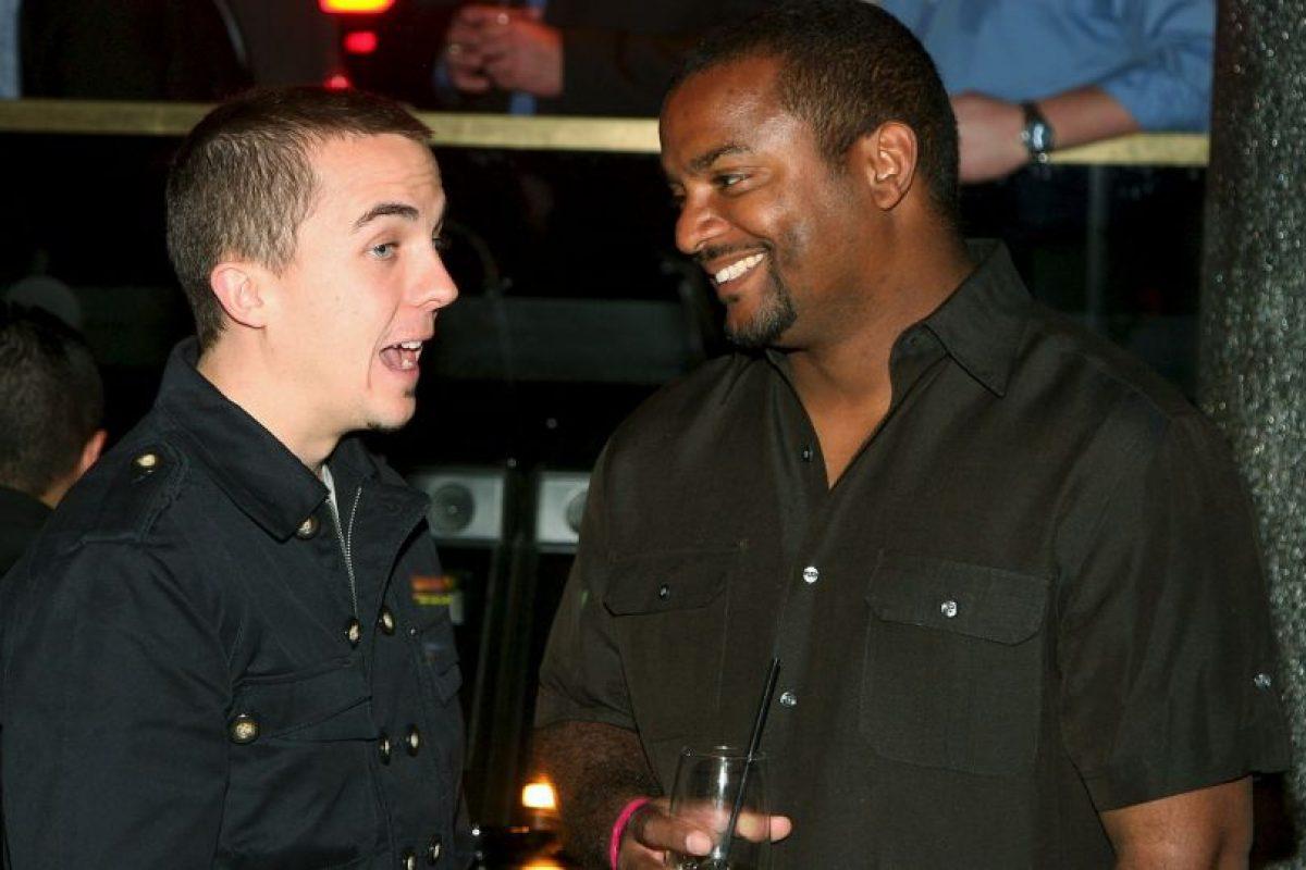 """También comparte con ex estrellas de series. Aquí con Frankie Muniz de """"Malcolm"""" Foto:Getty Images. Imagen Por:"""