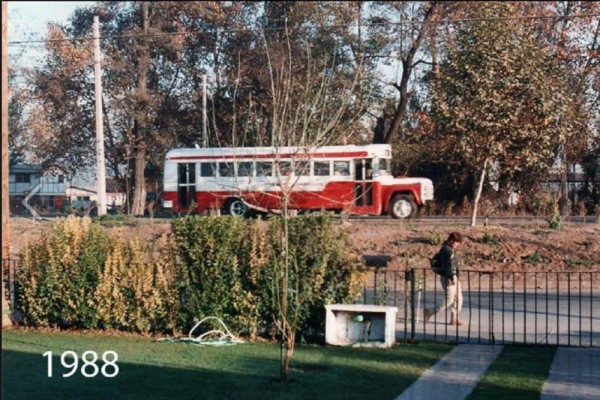 Avenida Pájaritos, en la comuna de Maipú en el año 1988 Foto:Fotos Históricas de Chile. Imagen Por: