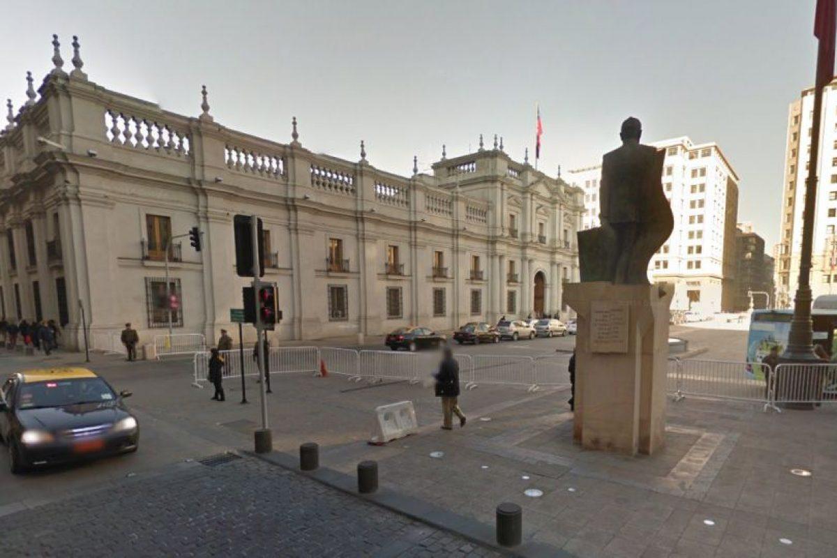 La Moneda en la actualidad, el edificio continúa igua, pero el entorno es muy diferente.. Imagen Por: