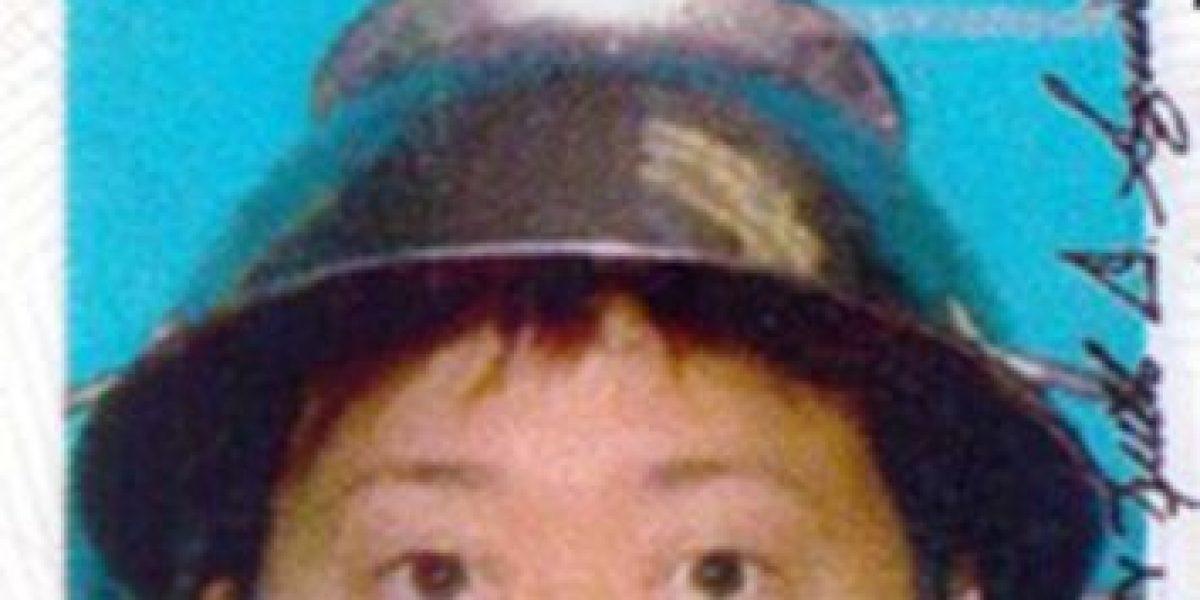 ¿Por qué esta ex estrella porno usa un colador en la cabeza?