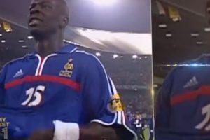 El francés Lilian Thuram se encuentra en la lateral derecha Foto:Youtube: PSG – Paris Saint-Germain. Imagen Por: