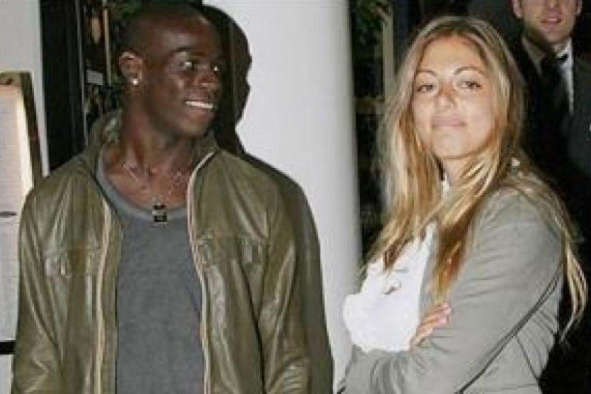 Mario Balotelli y Melissa Castagnoli. Foto:Twitter. Imagen Por: