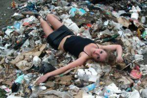 La basura es otra nueva moda. Foto:TeamJimmyJoe. Imagen Por: