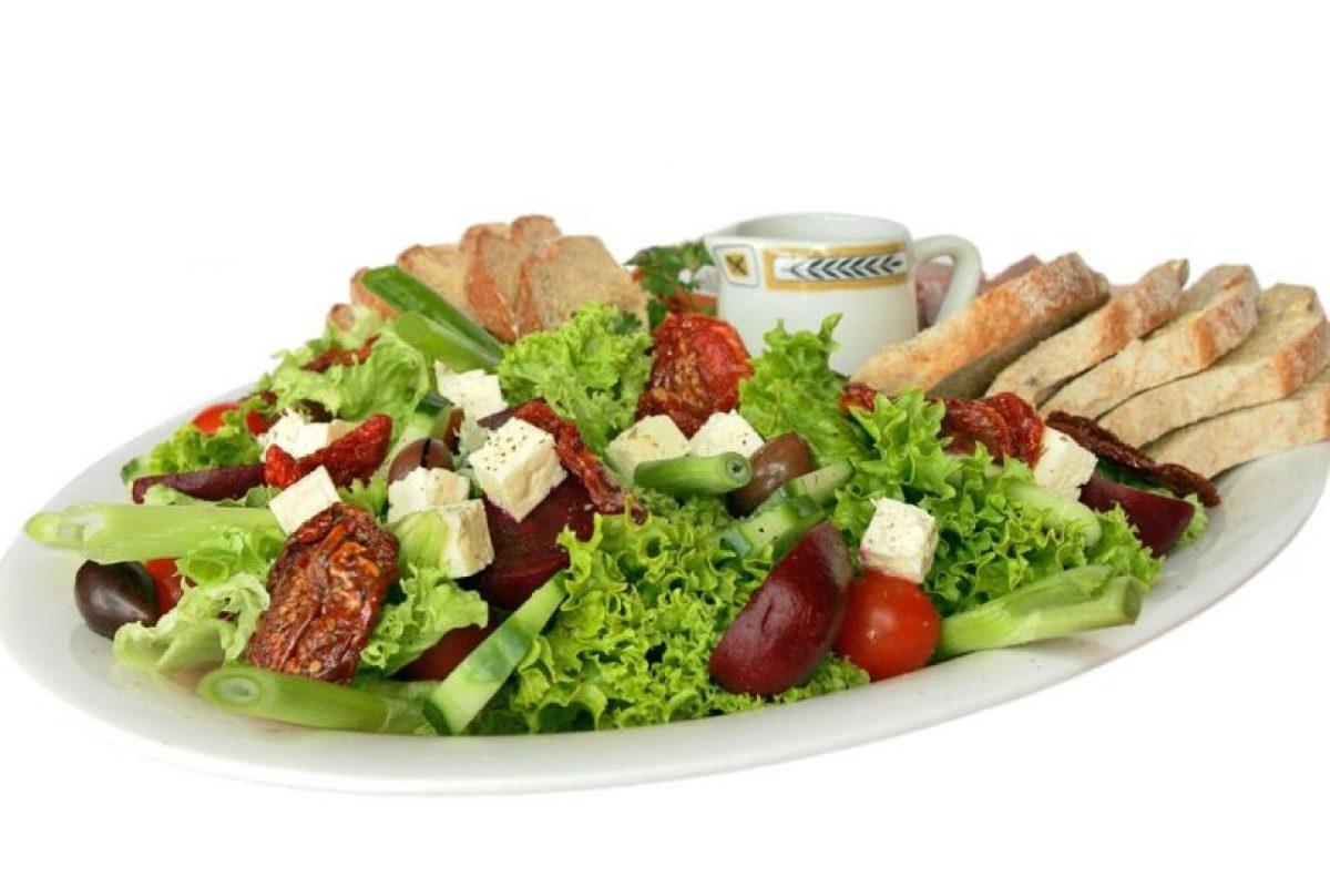"""""""Tira la ensalada"""" (Salad Tossing):Es una manera correcta para referirse al sexo oral pero no en los genitales. Foto:Wikipedia. Imagen Por:"""