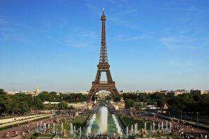 """""""Torre Eiffel"""": Es una especie de """"asador"""", pero con más personas involucradas. Foto:Wikipedia. Imagen Por:"""