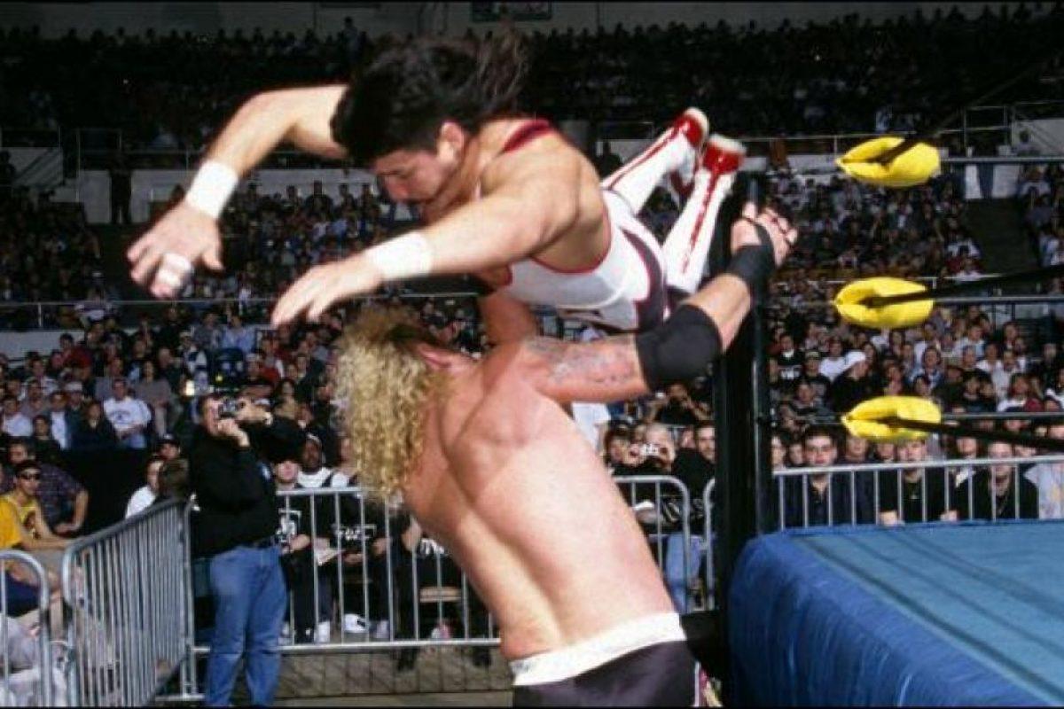 Fue arrestado en noviembre de 2001 Foto:WWE. Imagen Por: