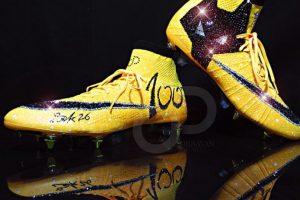 Los zapatos de fútbol con Swarovski de Bakary Sako Foto:instagram.com/baky_sako. Imagen Por: