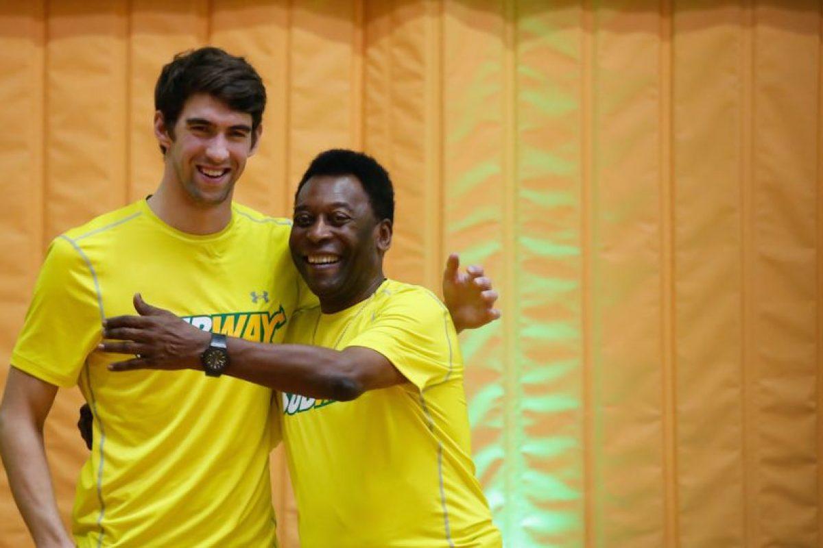 El nadador estadounidense Michael Phelps y Pelé. Foto:Getty Images. Imagen Por:
