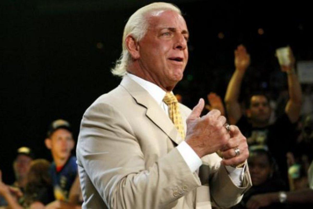 Después de ser acusado de estrangular a un motociclista Foto:WWE. Imagen Por: