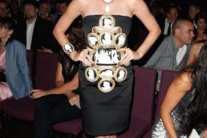 Posteriormente, Perry lució este vestido decorado con figuras de rostros blancos Foto:Getty Images. Imagen Por: