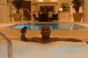 El boxeador presume su lujosa vida en las redes sociales Foto:Instagram: @floydmayweather. Imagen Por: