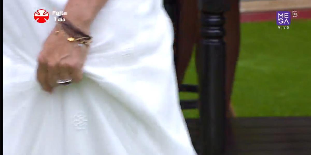 Kathy Salosny se luce con un hermoso vestido de novia