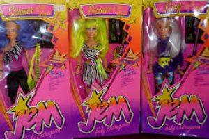 Jem irrumpió en la televisión y cuabdo llegaron sus muñecas, se transformaron en un objeto de deseo. Foto:Reproducción. Imagen Por:
