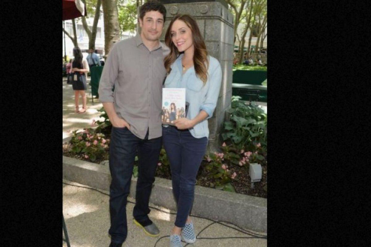 Jason BIggs: en su libro, su esposa confesó haber contratado a una prostituta para su aniversario Foto:Getty Images. Imagen Por: