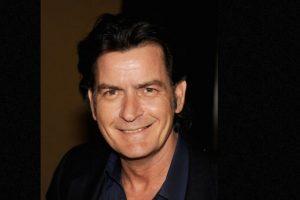 Charlie Sheen aseguró haber perdido la virginidad con una a los 15 años Foto:Getty Images. Imagen Por: