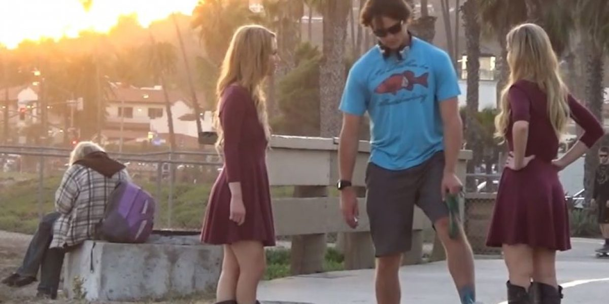 VIDEO: ¿Qué responderían? Gemelas piden a hombres hacer trío sexual