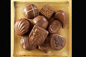 Una caja con 15 chocolates artesanales, elaborados con los mejores granos de cacao y diferentes tipos de malvavisco. Esta colección alcanza el precio de 120 dólares Foto:Pinterest/Godiva. Imagen Por: