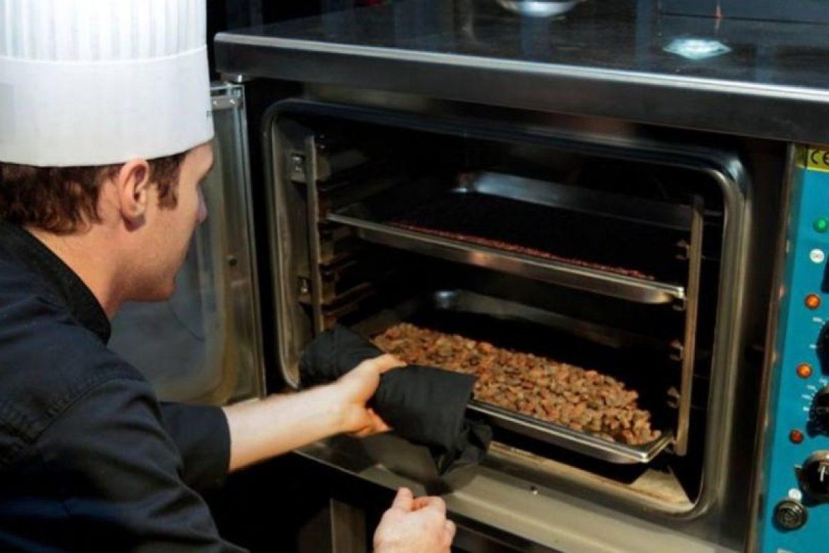 Los chocolates del artesano Marcolini son los más populares en América del Norte. Sus productos son elaborados con los mejores granos de cacao. Además, Marcolini juega con la mezcla de diversas infusiones en cada pieza. Su precio alcanza los 102 dólares cada 500 gramos. Foto:Marcolini Chocolatier/Facebook. Imagen Por: