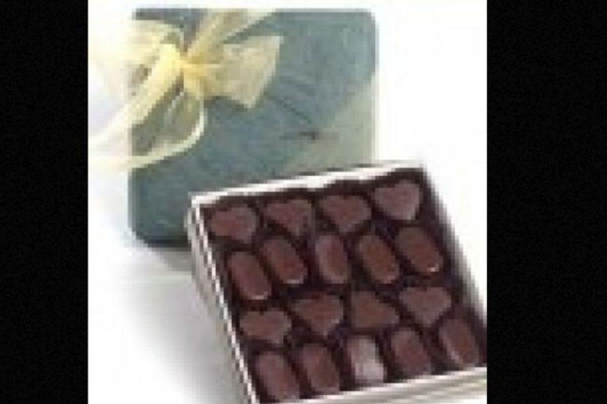 Estas piezas hechas a mano poseen las mejores coberturas de estilo francés y belga. Sus barras de chocolate han recibido premios en categorías como: textura y sabor original. Estas creaciones alcanzan los 75 dólares por cada 500 gramos. Foto:Richard Donnelly. Imagen Por: