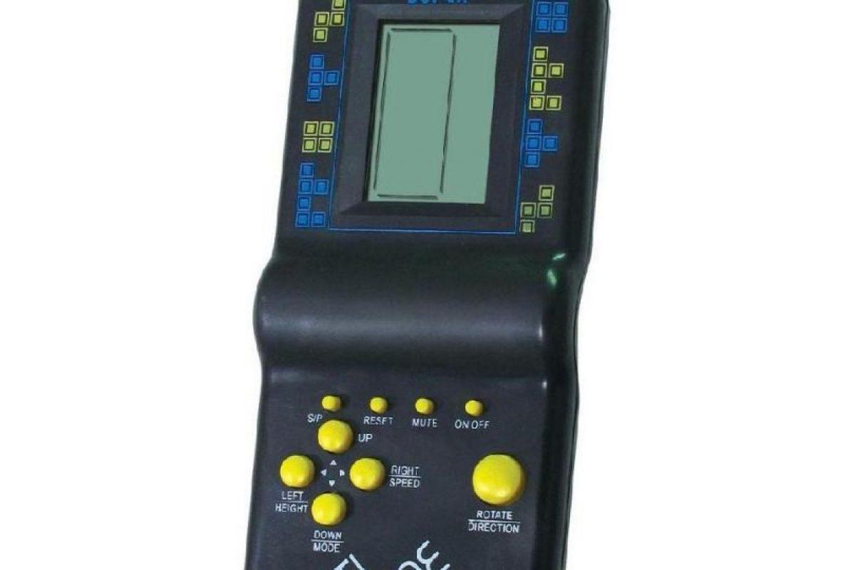 Llegó la modernidad y los juegos podían llevarse en el bolsillo. El Tetris y sus 999 juegos nos entregaron horas de diversión por poca plata. Foto:Reproducción. Imagen Por: