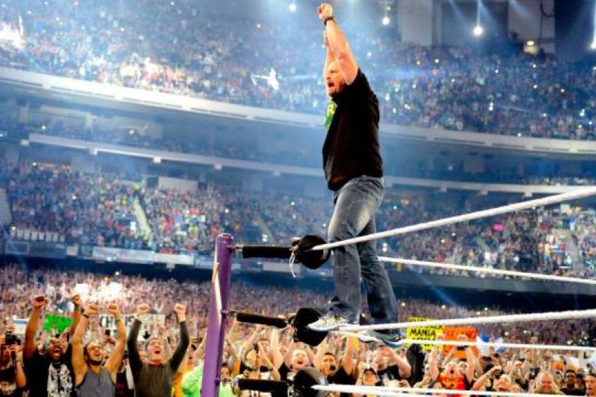 Fue detenido en 2002 por agredir a su esposa Foto:WWE. Imagen Por: