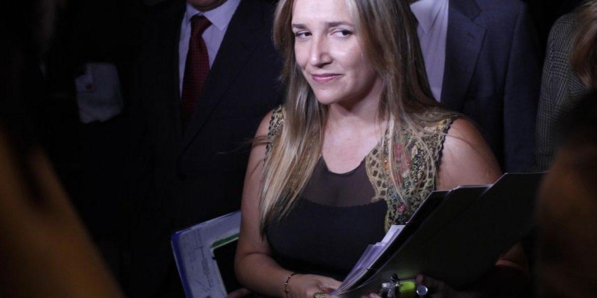 Colegio desmiente a diputada María José Hoffman