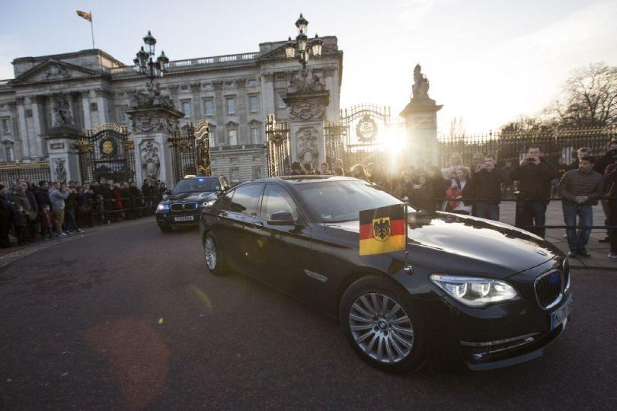 La canciller se ha caracterizado por utilizar vehículos de distintas marcas, para promover la neutralidad entre marcas Foto:Getty Images. Imagen Por: