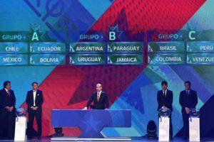 Aseguran que se oye una voz que menciona a Uruguay, momentos antes de que saliara la bola de le Celeste Foto:Copa América. Imagen Por: