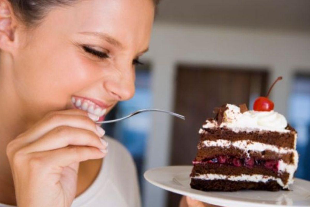 Evitar alimentos con alto índice glucémico tales como: arroz, jarabes, harinas refinadas, etc. Pero sobre todo, es de gran ayuda el mantener un buen peso mefiante una dieta equilibrada Foto:Tumblr.com/obesidad. Imagen Por: